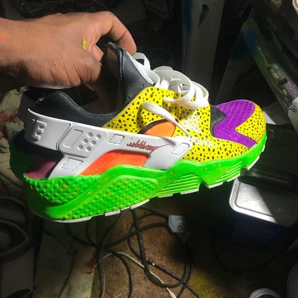 free shipping aac1b 51128 Customized Nike Triple White Huarache Custom. M 5aa251d136b9de3897784760